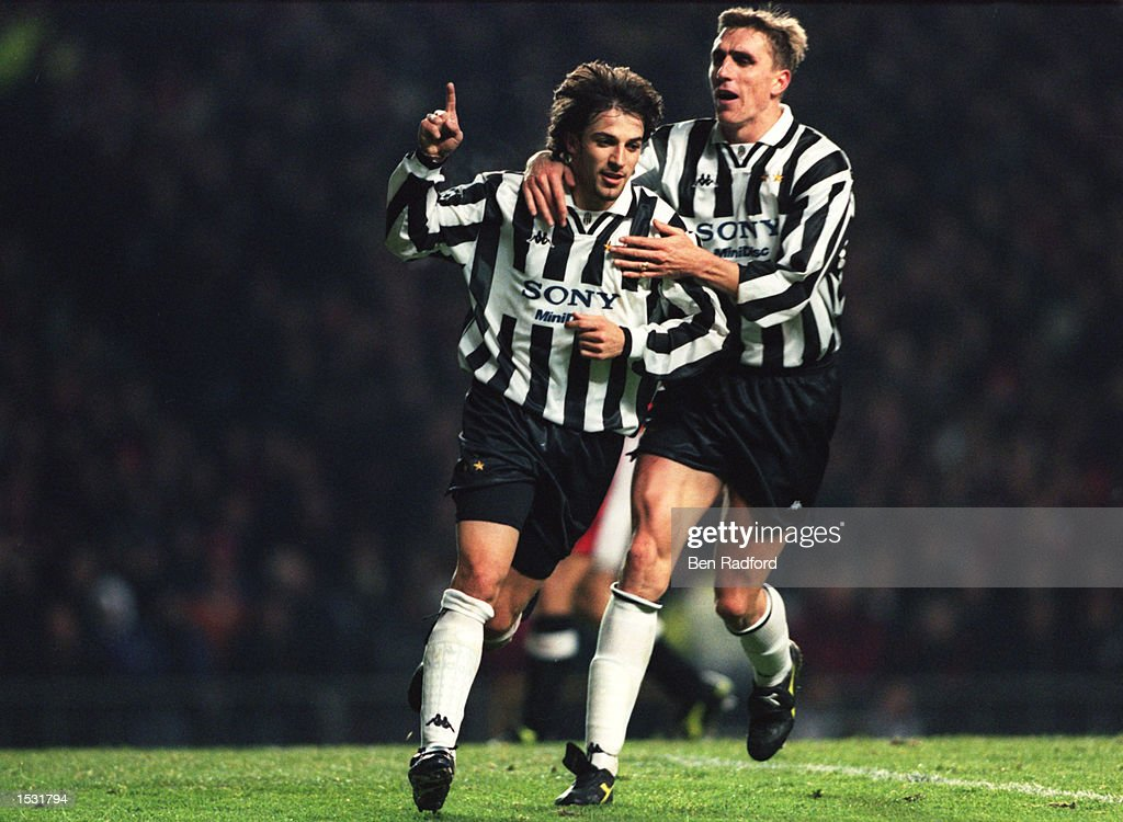 Alessandro Del Piero of Juventus (left) is congratualted by teammate Alen Boksic : News Photo