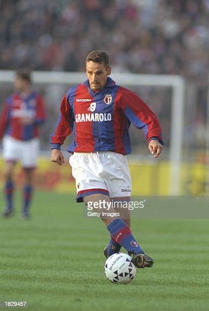 Roberto Baggio of Bologna in action during the Serie A match against Napoli at the Stadio Renato Dall''ara in Bologna Italy Bologna won 51 Mandatory...