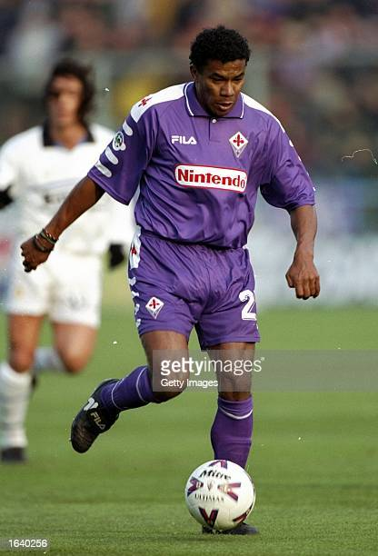 Luis Oliveira of Fiorentina on the ball during the Serie A match against Inter Milan at the Artemio Franchi Stadium in Florence Italy Fiorentina won...