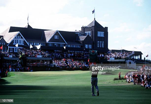 A general view of the 18th green and the clubhouse during the 1999 Australian Open golf played at the Royal Sydney Golf Course Rose Bay Sydney...