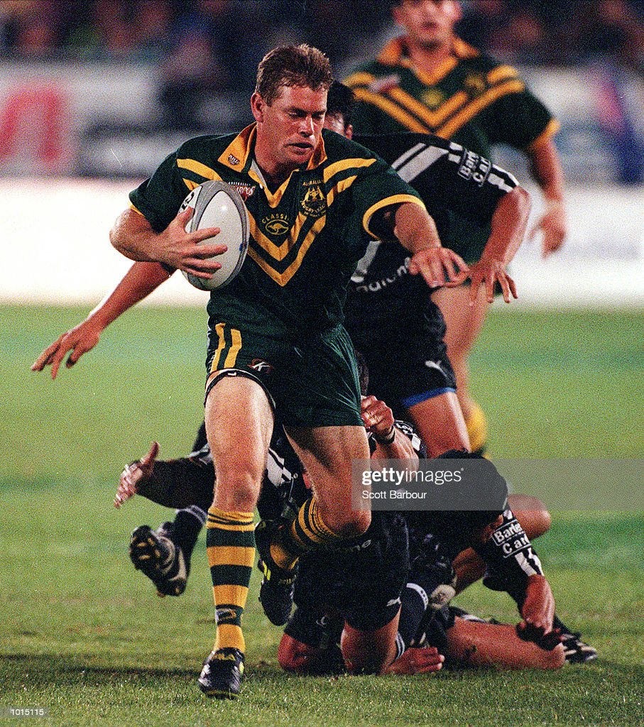 Brett Kimmorley of Australia runs the ball up during the Tri Nations final between Australia v New Zealand at Ericsson stadium,Auckland New Zealand.Australia won 22-20. Mandatory Credit: Scott Barbour/ALLSPORT