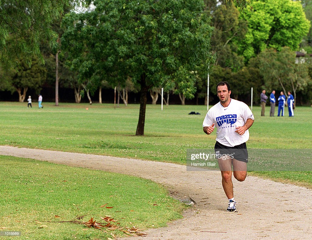 David Calthorpe, new recruit to the Kangaroos running at an early morning training session at Aberfeldie Park, Melbourne, Australia. Mandatory Credit: Hamish Blair/ALLSPORT