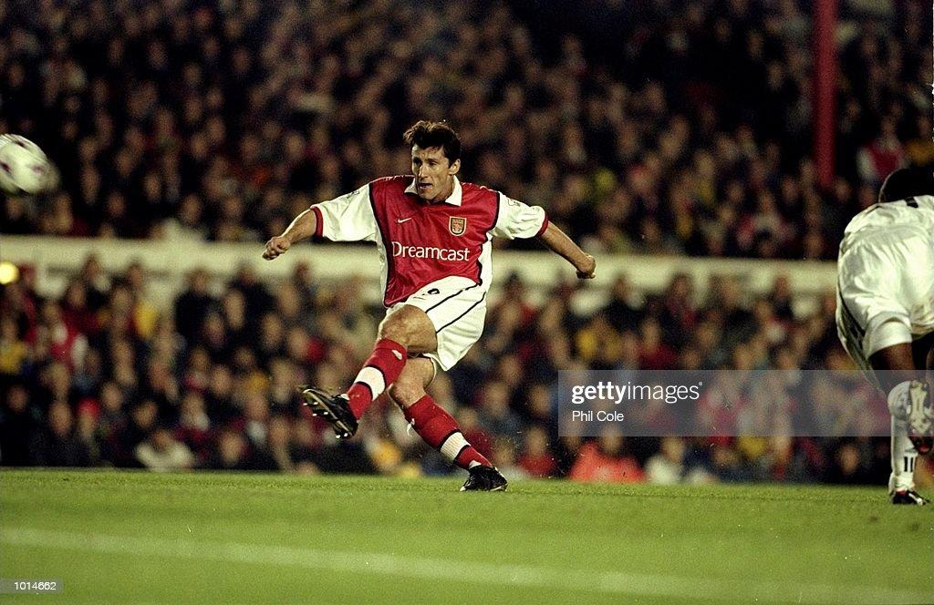 Davor Suker of Arsenal : Nachrichtenfoto