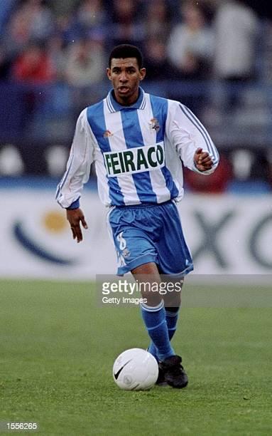 Djalminha of Deportivo la Coruna on the ball during the Primera Liga match at the Vicente Calderon Stadium in Madrid Spain Pic Nuno Correia Mandatory...