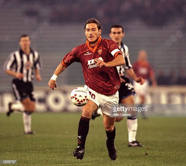 Francesco Totti of AS Roma in action during the Uefa Cup 3rd Round first leg match against Newcastle at the Stadio Olympico in Rome Italy AS Roma won...