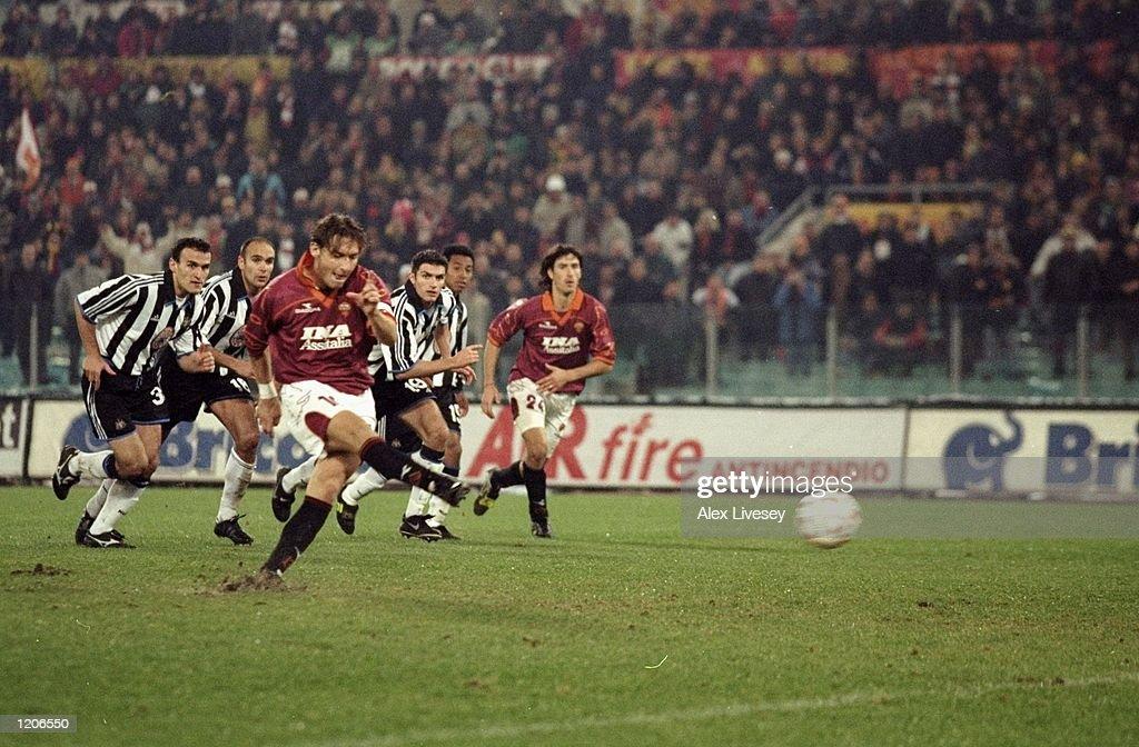 Francesco Totti : News Photo