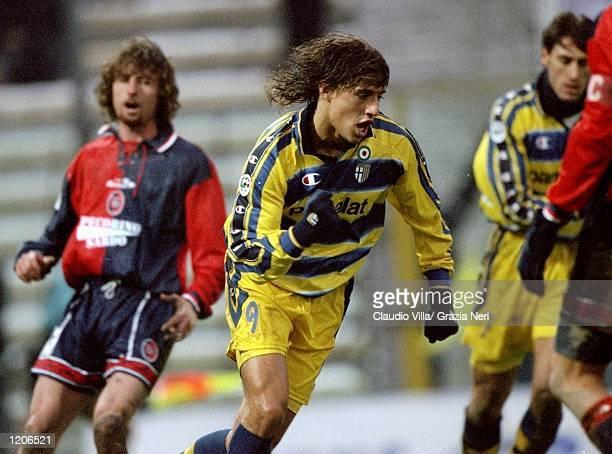 Joy for Parma's Hernan Crespo during the Serie A match against Cagliari at the Stadio Tardini in Parma Italy Mandatory Credit Claudio Villa /Allsport