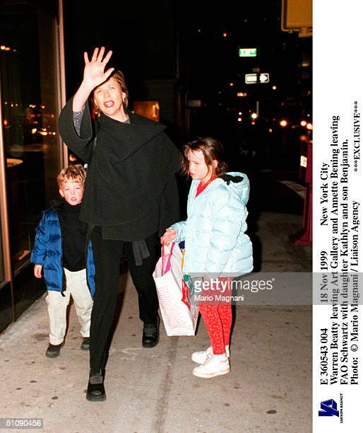 Nov 1999 New York City Warren Beatty Leaving Art Gallery And Annette Bening Leaving Fao Schwartz With Daughter Kathlyn And Son Benjamin