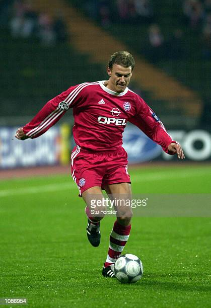 Alexander Zickler of Bayern in action during the Champions League Group C match between Bayern Munich and Lyon at the Olympic Stadium Munich Germany...