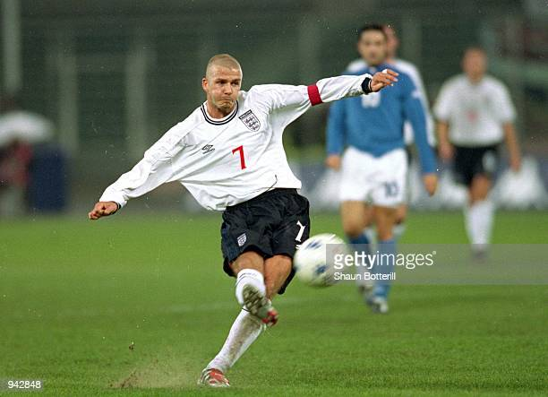 David Beckham of England takes a freekick during the International Friendly match against Italy played at the Stadio Delle Alpi in Turin Italy Italy...