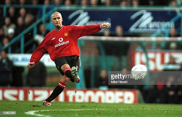David Beckham of Manchester United scores from a free kick during the FA Carling Premiership match between Coventry City v Manchester United played...