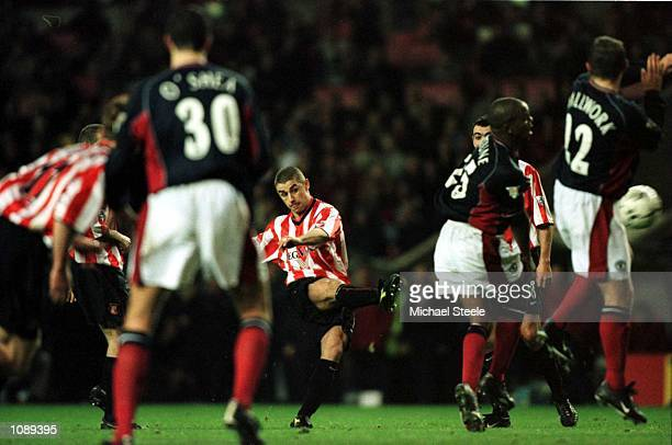 Kevin Phillips of Sunderland takes a free kick in extra time during the Sunderland v Manchester United Worthington Cup Fourth Round match at the...