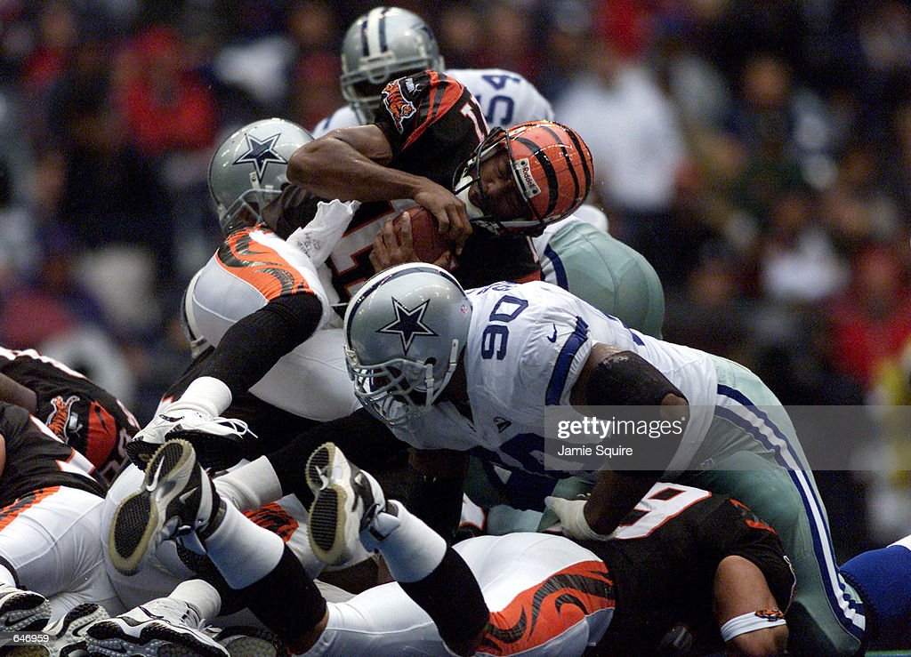 Bengals v Cowboys X Smith : News Photo