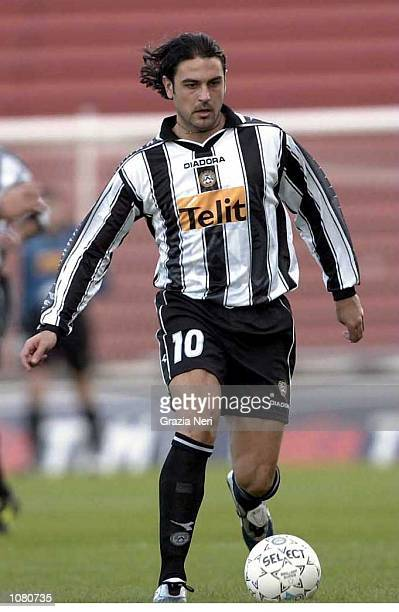 Stefano Fiore of Udinese in action during the Serie A League Round 5 match between Udinese and Lecce played at the Friuli Stadium in Udinese...