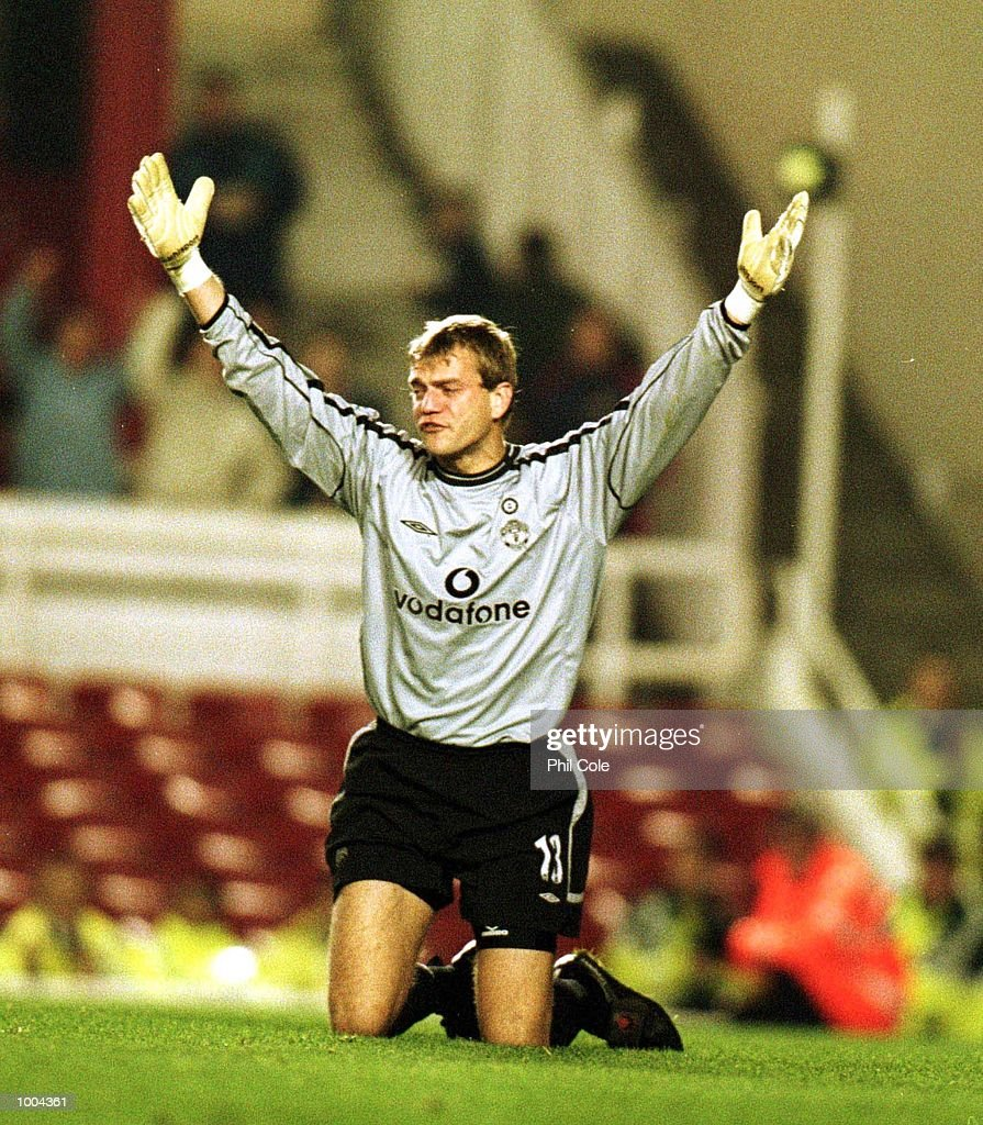 A dejected Roy Carroll of Manchester United after Sylvain Wiltord scored his 3rd goal for Arsenal during the Worthington Cup, Third Round match between Arsenal and Manchester United at Highbury, London. Mandatory Credit: Phil Cole/ALLSPORT