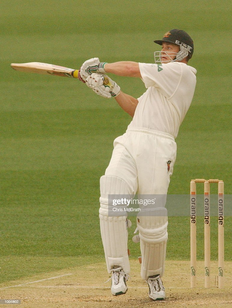 Adam Gilchrist of Australia plays a hook shot during day two of the first cricket test between Australia and New Zealand held at the Gabba, Brisbane, Australia, DIGITAL IMAGE Mandatory Credit: Chris McGrath/ALLSPORT