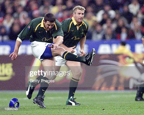 Braam Van Straaten of South Africa kicks his first penalty during the Test Match of South Africa v France in the Springboks Tour held at Stade de France, Paris. DIGITAL IMAGE. Mandatory Credit: Touchline Photo/ALLSPORT