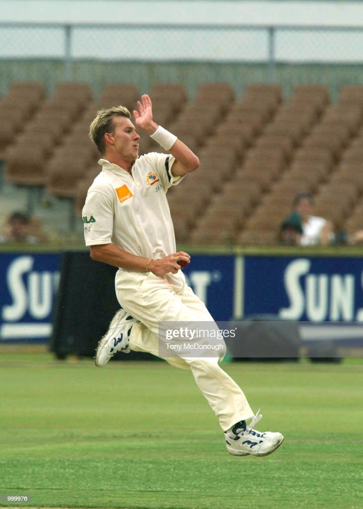 Brett Lee of Australia in action during the 3rd Test match between Australia and New Zealand at the WACA ground in Perth, Australia. DIGITAL IMAGE Mandatory Credit: Tony McDonough/ALLSPORT