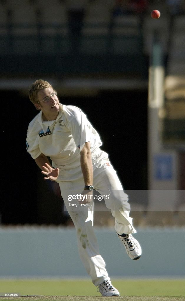 Daniel Vettori of New Zealand in action in the match between South Australia and New Zealand played at the Adelaide Oval in Adelaide, Australia. DIGITAL IMAGE Mandatory Credit: Tony Lewis/ALLSPORT