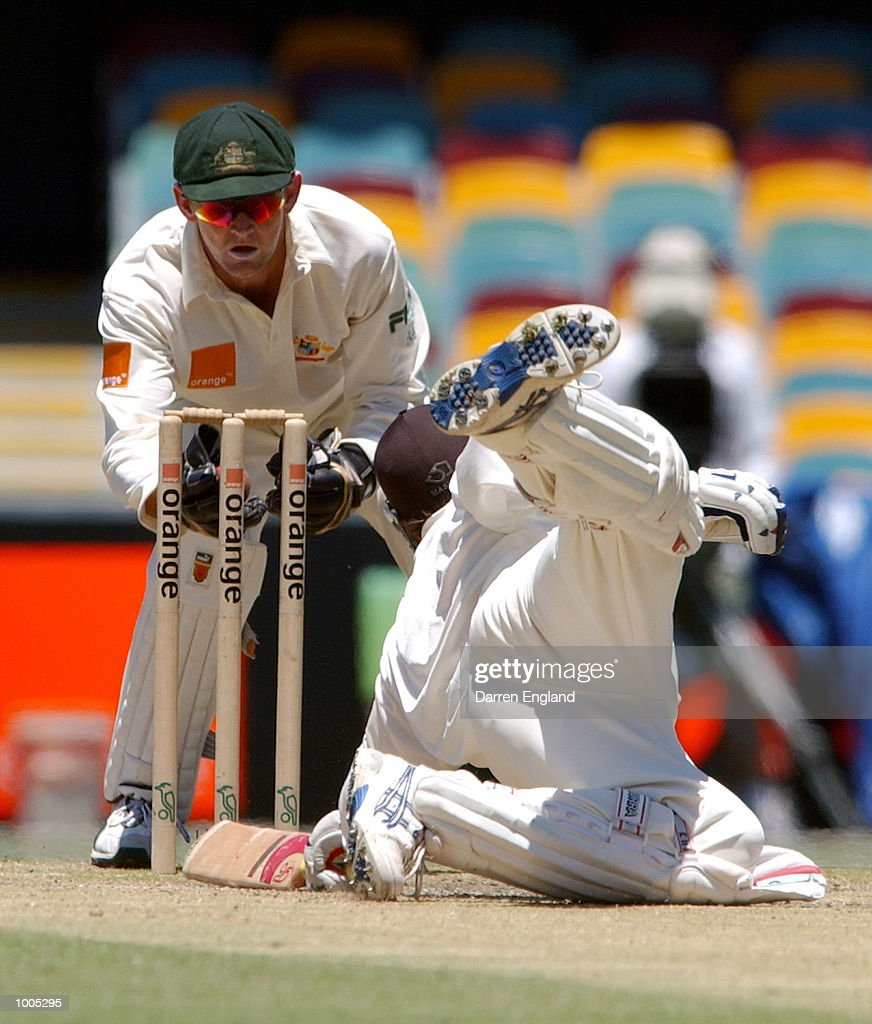 Dion Nash of New Zealand just survives a stumping attempt by Adam Gilchrist of Australia during day five of the first Cricket test between Australia and New Zealand played at the Gabba in Brisbane, Australia. DIGITAL IMAGE. Mandatory Credit: Darren England/ALLSPORT