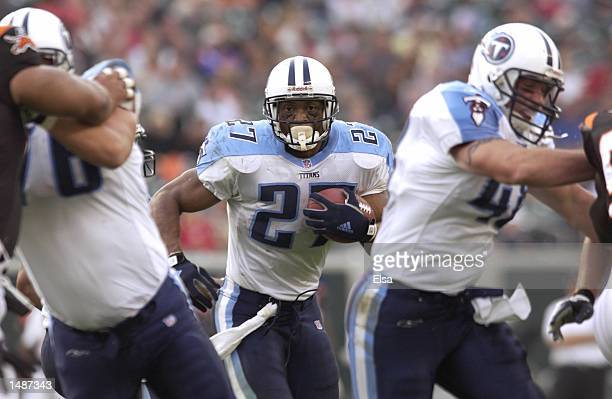 Eddie George of the Tennessee Titans during the game against the Cincinnati Bengals at Paul Brown Stadium in Cincinnati Ohio The Titans won 207...