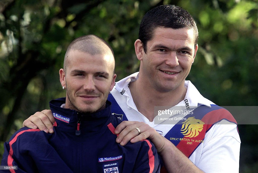 England captain David Beckham poses with Great Britain Rugby League captain Andy Farrell at the Marriott Hotel in Worsley ahead of England's friendly match against Sweden on Saturday at Old Trafford in Manchester. DIGITAL IMAGE. Mandatory Credit: Laurence Griffiths/ALLSPORT