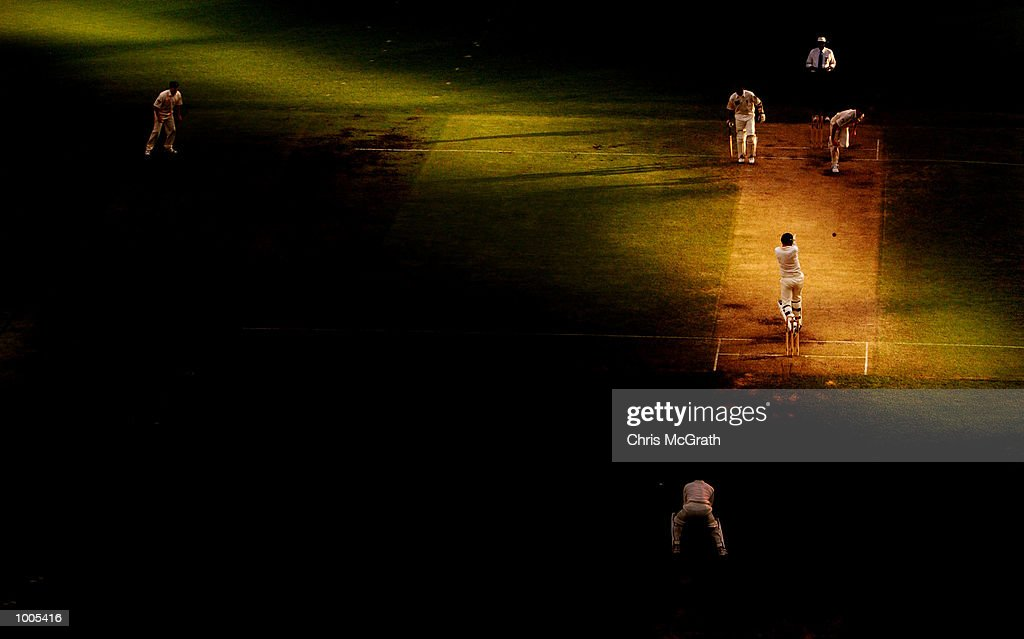 General view of play during the final session on day five of the first cricket test between Australia and New Zealand held at the Gabba, Brisbane, Australia, DIGITAL IMAGE Mandatory Credit: Chris McGrath/ALLSPORT