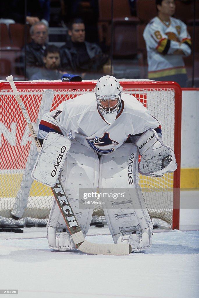 nov-2001-goaltender-peter-skudra-of-the-