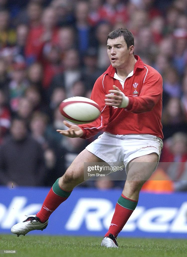 Iestyn Harris of Wales in action during the Wales v Argentina International friendly match at the Millennium Stadium, Cardiff. DIGITAL IMAGE. Mandatory Credit: Tom Shaw/ALLSPORT