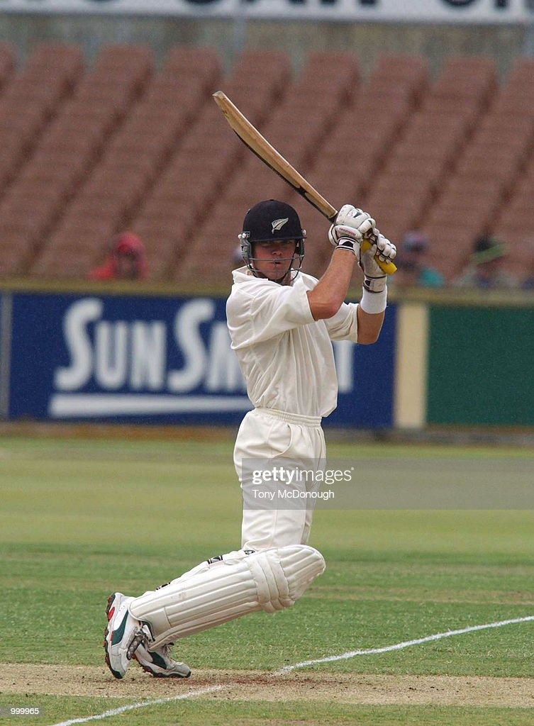Lou Vincent for New Zealand in action during the 3rd Test match between Australia and New Zealand at the WACA ground in Perth, Australia. DIGITAL IMAGE Mandatory Credit: Tony McDonough/ALLSPORT