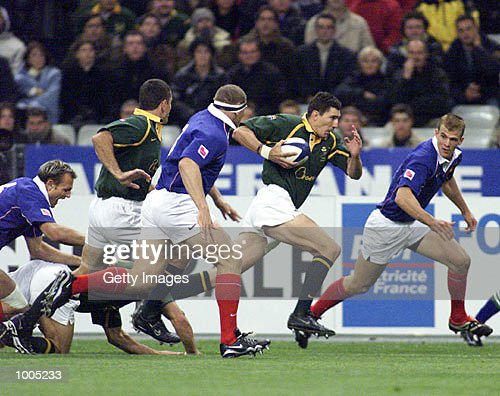 Pieter Rossouw of South Africa breaks through the French defence during the Test Match of South Africa v France in the Springboks Tour held at Stade de France, Paris. DIGITAL IMAGE. Mandatory Credit: Touchline Photo/ALLSPORT