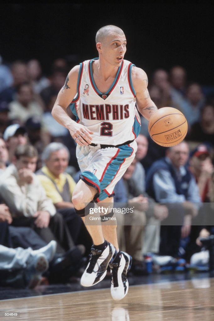 finest selection 1bdd2 9f3c5 Point Guard Jason Williams of the Memphis Grizzlies dribbles ...