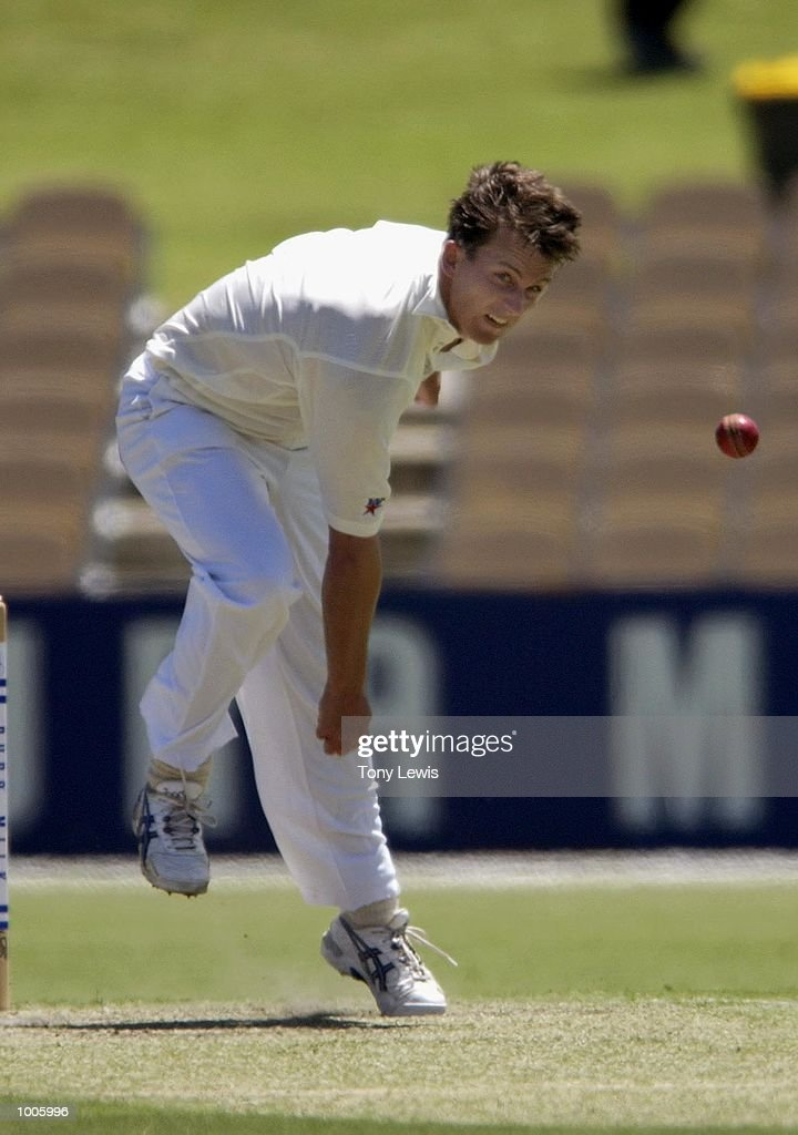 Shane Bond of New Zealand in action in the match between South Australia and New Zealand played at the Adelaide Oval in Adelaide, Australia. DIGITAL IMAGE Mandatory Credit: Tony Lewis/ALLSPORT