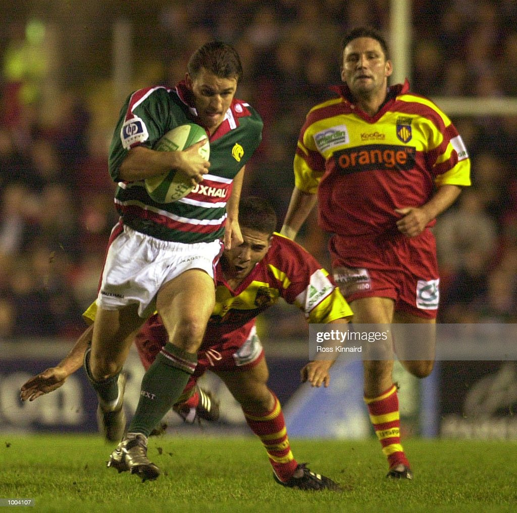 Steve Booth of Leicester burst through during the Leicester Tigers v Perpignan Heineken Cup match at Welford Road, Leicester. DIGITAL IMAGE. Mandatory Credit: Ross Kinnaird/ALLSPORT