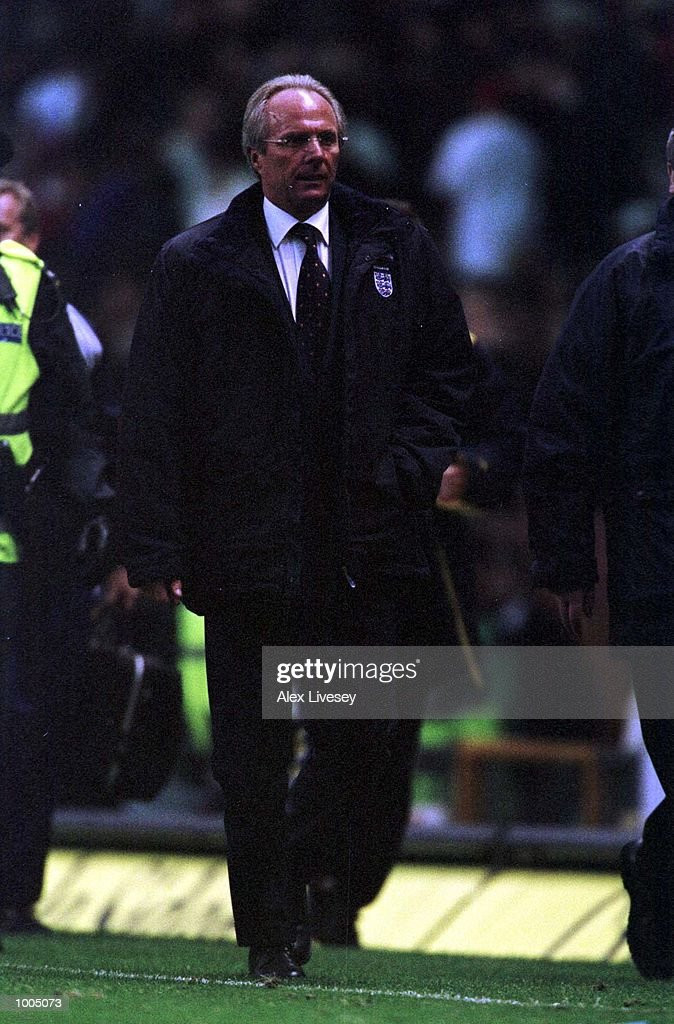 Sven Goran Eriksson of England walks off at halftime during the England v Sweden International friendly at Old Trafford, Manchester. Mandatory Credit: Alex Livesey/ALLSPORT
