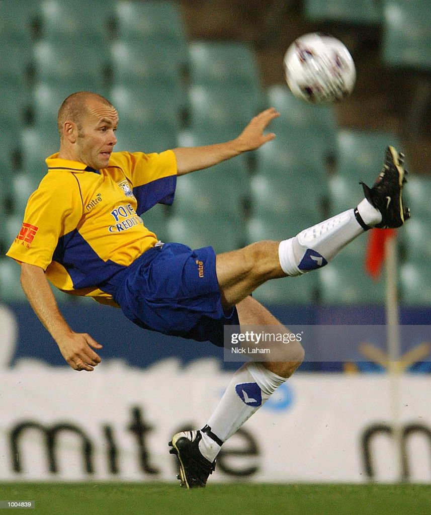 Wayne O'sullivan #7 of the Power in action during the NSL match between the Parramatta Power and the Brisbane Strikers held at Parramatta Stadium, Sytdney, Australia. DIGITAL IMAGE Mandatory Credit: Nick Laham/ALLSPORT