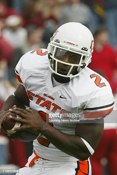 Seymore Shaw of the Oklahoma State Cowboys during the Cowboys 529 loss to the Oklahoma Sooners at the Gaylord Family Oklahoma Memorial Stadium in...