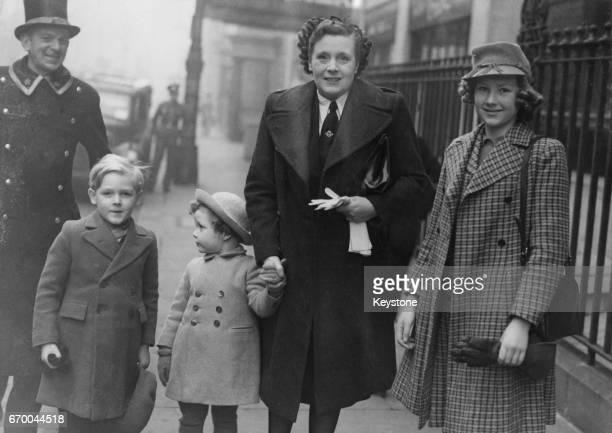 Novelist Barbara Cartland with her children Ian, Glen and Raine, 18th January 1944.