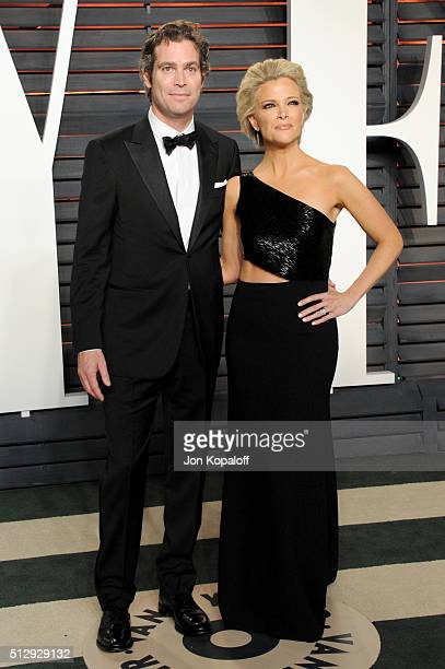Novelist Douglas Brunt and journalist Megyn Kelly attend the 2016 Vanity Fair Oscar Party hosted By Graydon Carter at Wallis Annenberg Center for the...