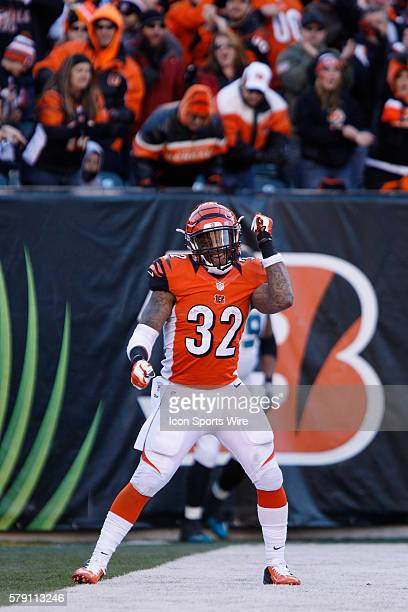 Cincinnati Bengals running back Jeremy Hill celebrates his 60yard touchdown run during the Bengals 3323 win over the Jacksonville Jaguars at Paul...