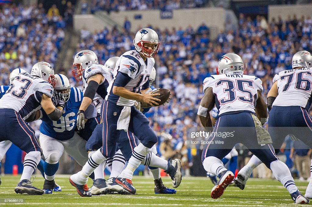 NFL: NOV 16 Patriots at Colts : News Photo