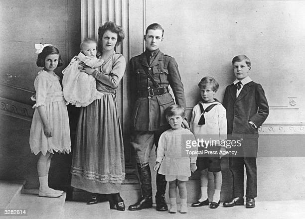 American-born British politician Nancy Witcher Langhorne, Viscountess Astor with her husband Waldorf Astor and their children Phyllis, John Jacob,...