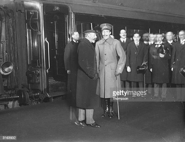 King George V bids goodbye to King Alfonso of Spain who is leaving for Paris.
