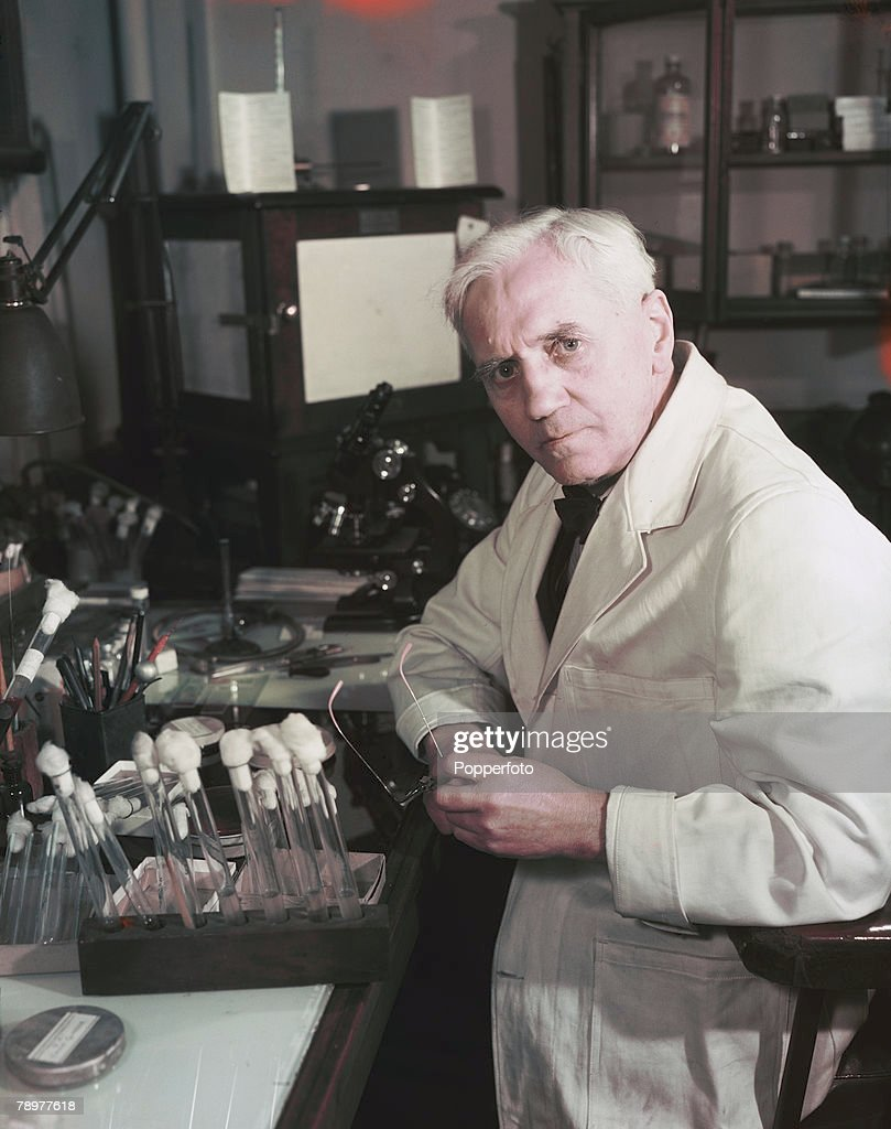 November 1943. A portrait of Scottish bacteriologist Professor Alexander Fleming, discoverer of the drug penicillin. : News Photo