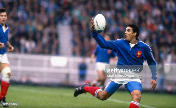 10 November 1990 International Rugby Union France v New Zealand Serge Blanco of France tries to catch the ball with one hand
