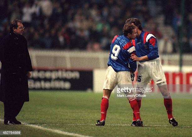 17 November 1993 Fifa World Cup Qualifying Match France v Bulgaria French coach Gerard Houllier makes a substitution withdrawing JeanPierre Papin and...