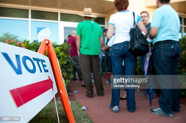 November 2 2012 LONG LINES FOR EARLY VOTING PEOPLE WAITING TO EARLY VOTE WHO HAVE BEEN ON LINE ABOUT TWO HOURS THERE ARE 20 EARLY VOTING SITES IN...