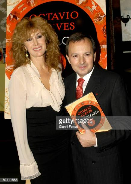 November 20 2007 Madrid Spain Presentation of the book 'Astrologia' by Octavio Aceves writer In the image the clairvoyant Octavio Aceves with the...