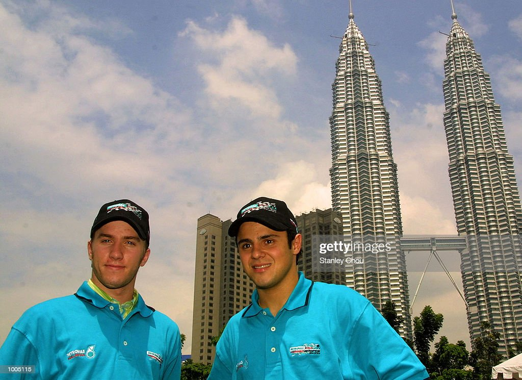 Nick Heidfeld and Felipe Massa of Sauber Petronas F1 Team pose for photographs at the Garden Park of the Kuala Lumpur Twin Towers during the Sauber Petronas Team Official visits to Kuala Lumpur. DIGITAL IMAGE. Mandatory Credit: StanleyChou/ALLSPORT