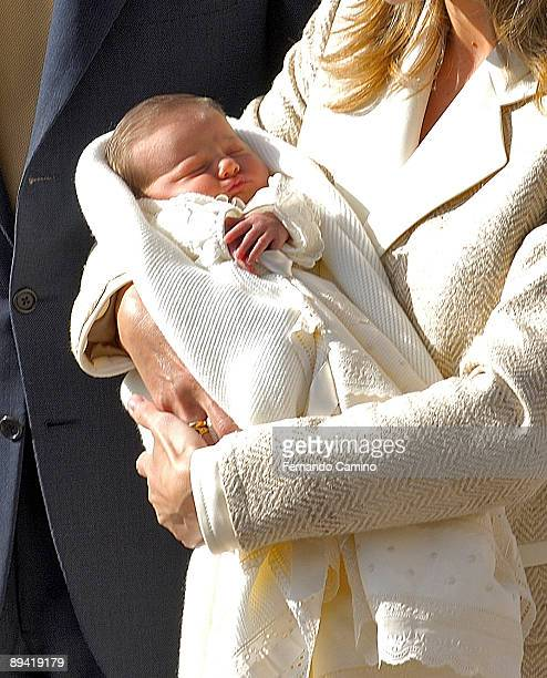 07 November 2005 Clinical Ruber International of Madrid Spain Presentation to the media of the Infanta Leonor firstborn of the Princes of Asturias...